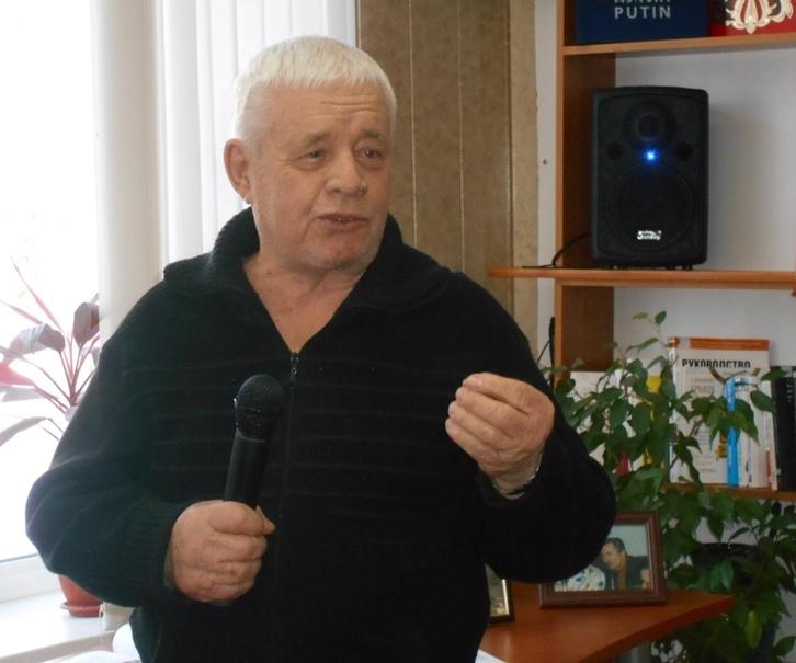 Ушел из жизни волгоградский поэт Лев Кривошеенко